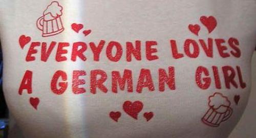 Germania: usa il seno per tentare di soffocare il partner